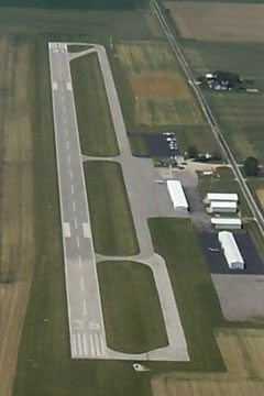 Aerial photo of KSIV (Sullivan County Airport)