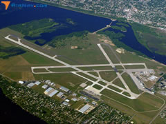 Aerial photo of KLSE (La Crosse Regional Airport)