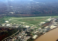 Aerial photo of KLUK (Cincinnati Municipal Airport-Lunken Field)