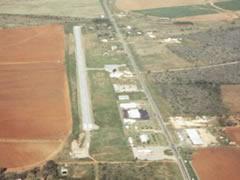 Aerial photo of 24R (Dilley Airpark)