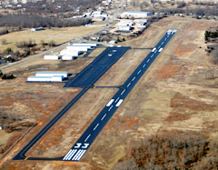 Aerial photo of KOZS (Camdenton Memorial-Lake Regional Airport)