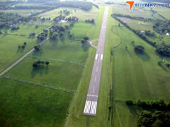 Aerial photo of 2VG2 (Upperville Airport)