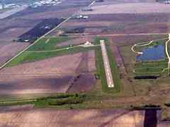 Aerial photo of 1Y5 (New Hampton Municipal Airport)