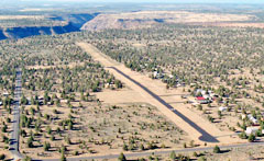 Aerial photo of 5S5 (Lake Billy Chinook State Airport)