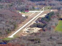 Aerial photo of 08R (Richmond Airport)