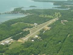 Aerial photo of 8MN3 (Breezy Point Airport)